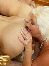 Exclusive mature gang bang with a horny mama