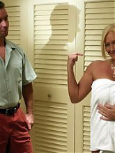 Blonde mature MILF Roxy lures a grateful younger guy into tapping her ripe snatch