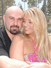 Sexy mature Jordan Kingsley shows her gorgeous body and gets screwed during a cam shows